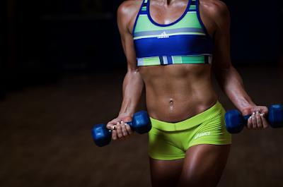 ejercicios en casa para tonificar biceps