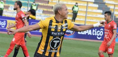 Jair Reinoso celebra su gol. (Foto: Club The Strongest)