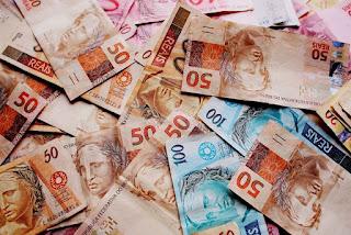Governo Federal publica Medida Provisória que define salário mínimo de R$ 1.100 em 2021