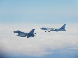 Pesawat Pembom China Terobos Selat Taiwan