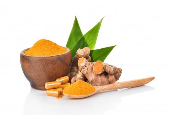 Kritiker kritisieren die Förderung der traditionellen Medizin durch die indische Regierung für COVID-19