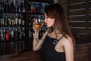 सपने में शराब पीना या देखना, sapne me sharab pina ya dekhna