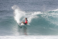 13 Conner Coffin Billabong Pipe Masters foto WSL Damien Poullenot