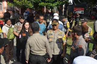 Kapolres Mataram Turun Langsung Pengaman Aksi Aliansi Kedaulatan Rakyat NTB.