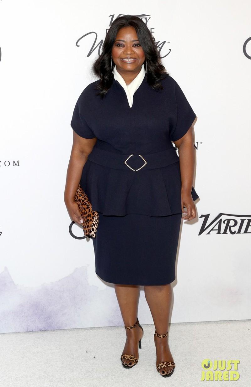 Octavia Spencer com looks de trabalho e vida para plus size
