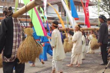Warna-Warni Kemeriahan Budaya Agraris di Indramayu Kota Budaya