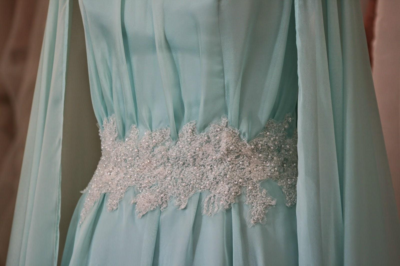 Unusual, icey, Snow-Queen-ish Winter Wedding Dress!