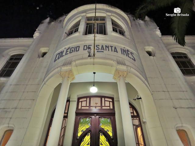 Perspectiva inferior da fachada da entrada principal do Colégio de Santa Inês - Bom Retiro - São Paulo