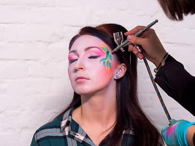 Gambar memilih tema pada tahap belajar seni airbrush bagi pemula