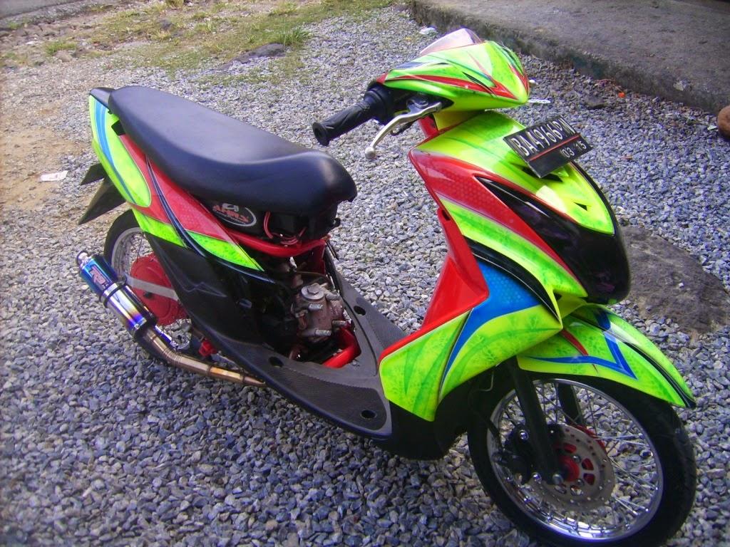 contoh modifikasi motor mio soul warna hijau