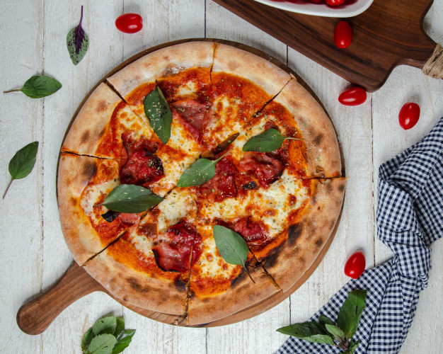 How to make American pizza