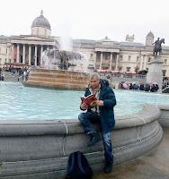 """""""Задругата"""", от Добри Божило, пред Националната галерия във Великобритания"""