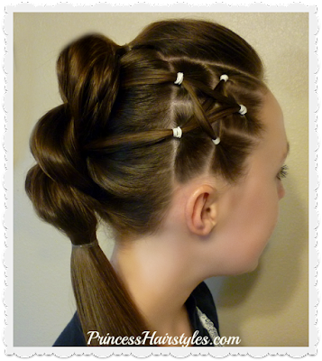 4th of July hairstyle! Cute star hairstyle for teens.