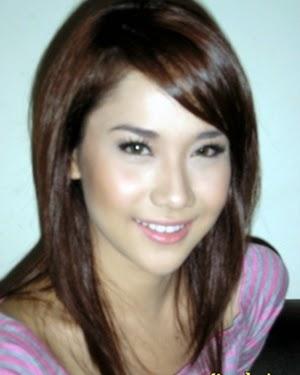 Download Gratis Mp3 BCL - Wanita Terbahagia