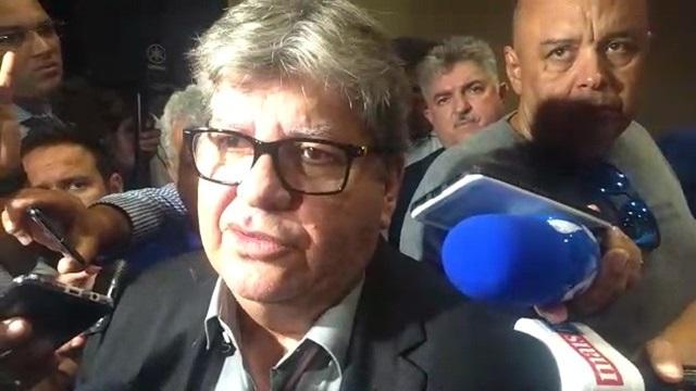 João Azevêdo anuncia 300 leitos de UTI para suprir demanda do Covid-19