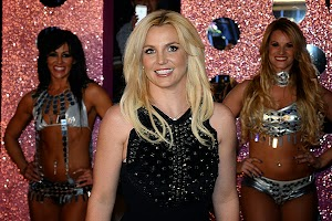 Britney Spears: I have several times increased the lips!