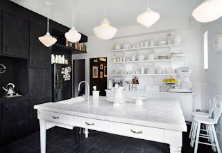 Kitchen+Designs+With+Black+Appliances-White+Sets