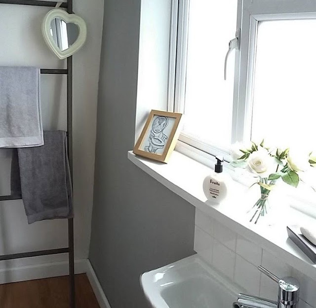 Inspiration on how to style your bathroom, featuring some of the most beautiful real-life homes from social media