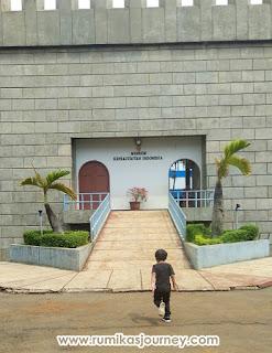pintu-belakang-museum-keprajuritan-tmii-jakarta