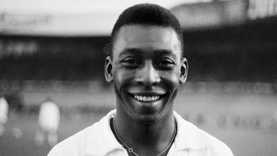 Pelé é considerado um dos maiores ídolos do futebol - Divulgação