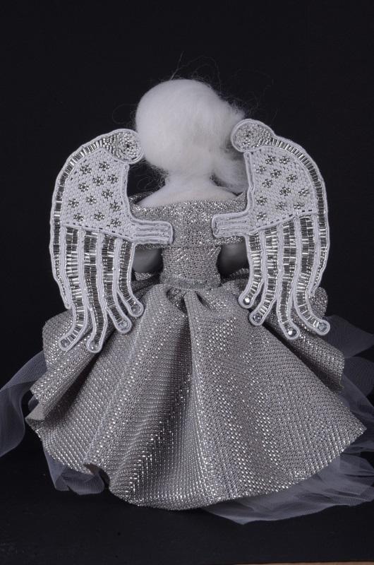 Srebrny ręcznie robiony Aniołek.