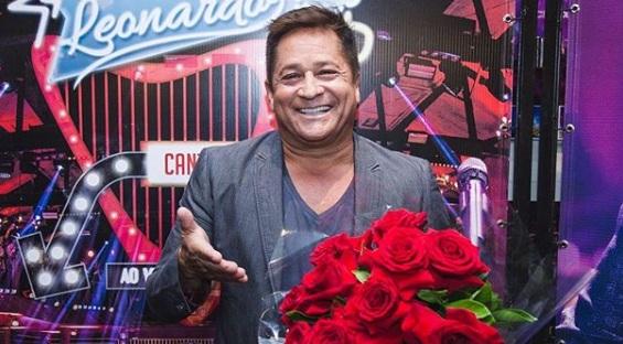 Cantor Leonardo compartilha vídeo e mostra 'novo amor'