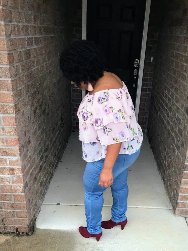 plus size, off shoulder, ruffles, floral print, skinny jeans, suede booties, natural hair
