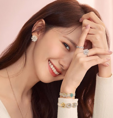 SNSD YoonA Estee Lauder Teasers