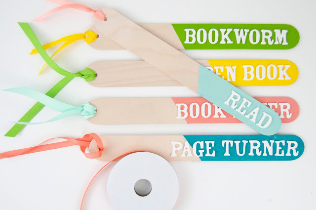 DIY Painted Craft Stick Bookmarks by Jen Gallacher for www.jengallacher.com #bookmark #craftsticks #acrylicpaint #americancrafts #wermemorykeepers