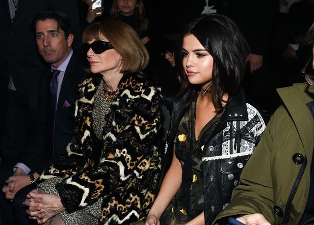 2017-02-14 セレーナ・ゴメス(Selena Gomez)ニューヨークで開催された「コーチ/Coach」2017年秋コレクションに出席。