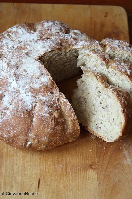 Pane ai 5 cereali e nocciole
