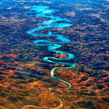 Sông Blue Dragon ở Bồ Đào Nha