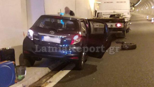Στυλίδα: Εκτροπή αυτοκινήτου τη νύχτα στις σήραγγες