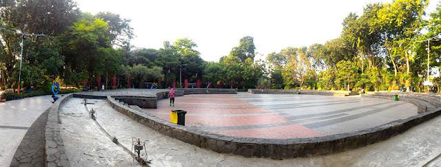 Panorama view Taman Bungkul Surabaya.