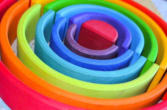 Tęcza Grimm's - jedna zabawka, setki możliwości