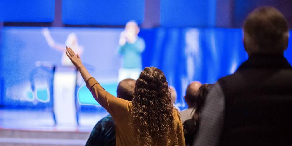 literatura paraibana louvor hipocrisia religiosa deturpacao evangelho lucro igrejas