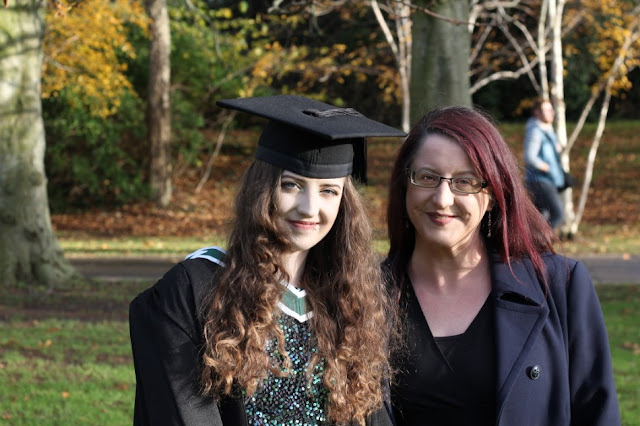 Síomha and Cliona NCAD Grad 2019
