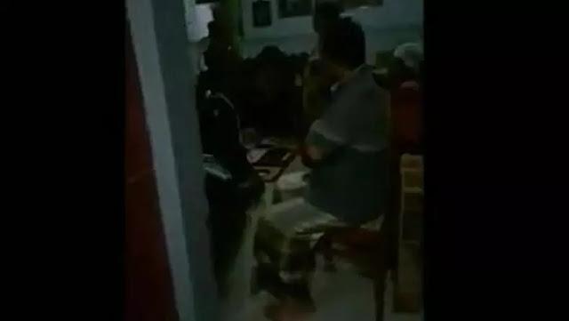 Tidur Sekamar dengan Pria Lain, Istri Dokter di Pasuruan Digerebek Warga