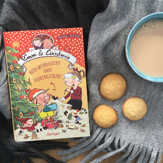 """""""Emmi und Einschwein: Kein Weihnachten ohne Puddingschuhe!"""" von Anna Böhm, illustriert von Susanne Göhlich, Oetinger Verlag, Rezension Kinderbuchblog Familienbücherei"""