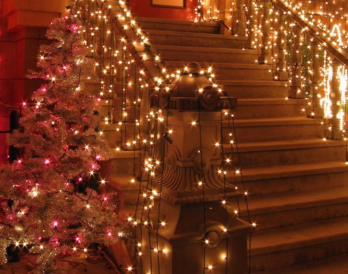 Lighting Basement Washroom Stairs: Abby Manchesky Interiors: Christmas Decorating 101: Stairs