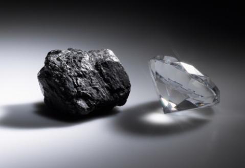 ¿A qué presión el grafito se torna en diamante?