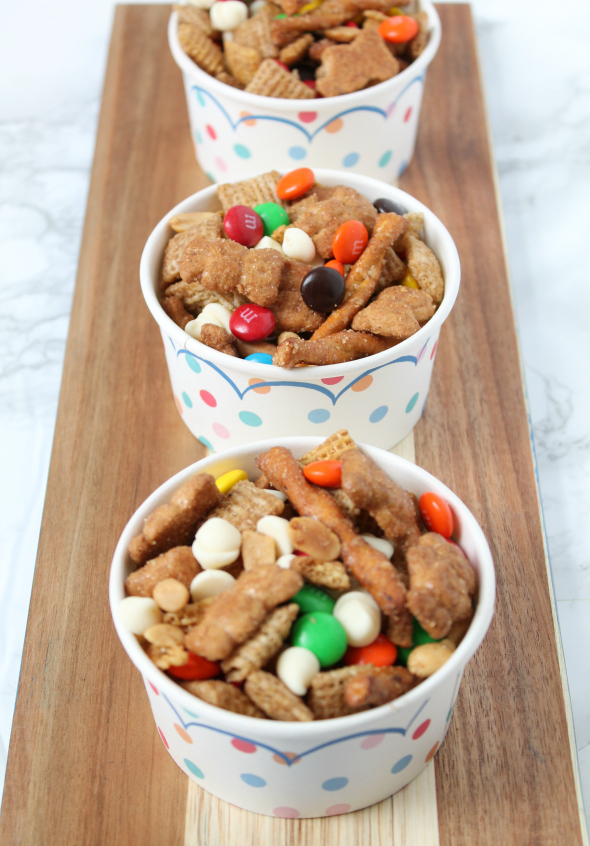 Crock-Pot Sweet and Salty Snack Mix