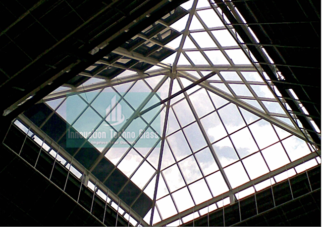 Kanopi Kaca Skylight Piramida