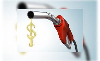 Gasolina sobe em 18 estados e atinge maior valor em 1 ano no país