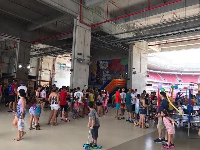 Domingo na Arena com recreação, Zumba e patinação