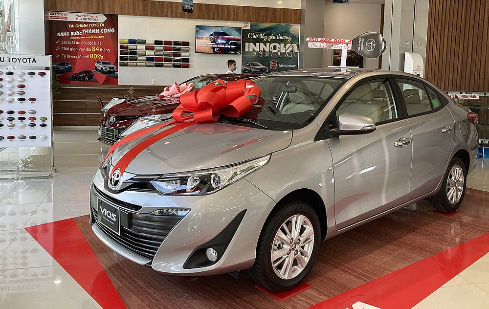 Xe bán chạy nhất thị trường 2020, Vios, tại đại lý Toyota ở TP.HCM