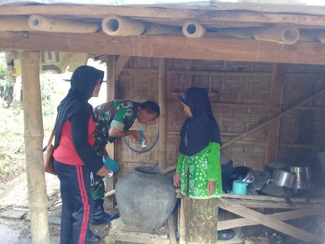 Kodim Sragen - Babinsa Brangkal Musnahkan DBD, Pemberantasan Sarang Nyamuk Wajib Hukumnya