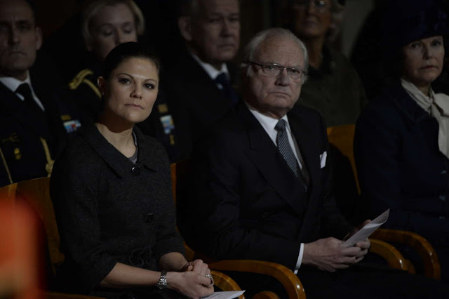 Swedish Royal Family gathered at Uppsala Cathedral to commemorate the victims of the big Tsunami 10 years ago. In total 300 000 people died of those were 543 Swedes