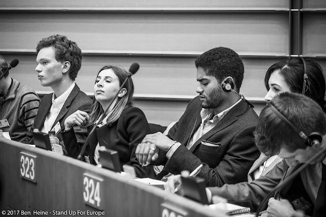 Nicolas Hamon et Bàlint Gyévai - Students for Europe - Stand Up For Europe - Parlement européen - Portrait by Ben Heine