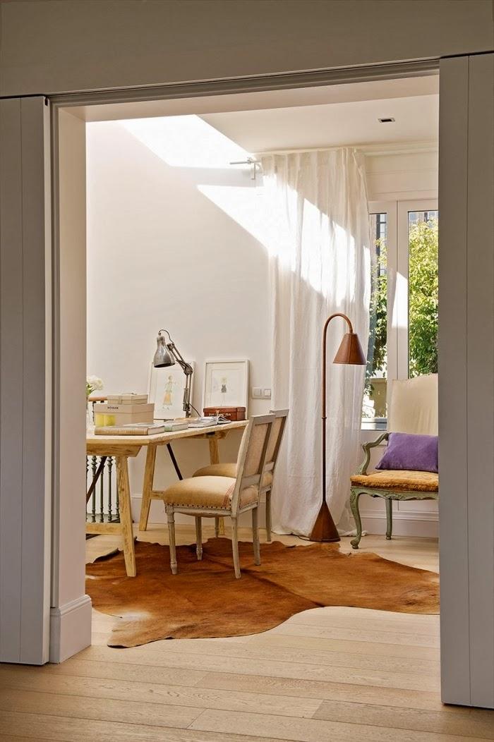 Ciepły, słoneczny domek w skandynawskim stylu, wystrój wnętrz, wnętrza, urządzanie domu, dekoracje wnętrz, aranżacja wnętrz, inspiracje wnętrz,interior design , dom i wnętrze, aranżacja mieszkania, modne wnętrza, styl skandynawski, scandinavian style, białe wnętrza, biel, kuchnia
